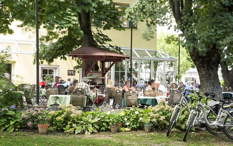 Restaurant & Pizza Oberhauser - Garten